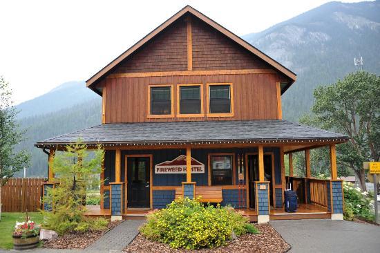 Address Yoho National Park 313 Stephen Ave Field Bc V0a 1g0 Canada Phone 1 250 343 6999